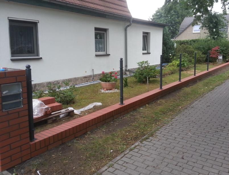 Aufbau von einem Zaun