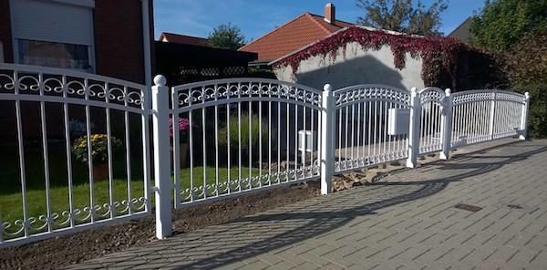 Beispiel für schmiedeeiserne Zäune aus Polen